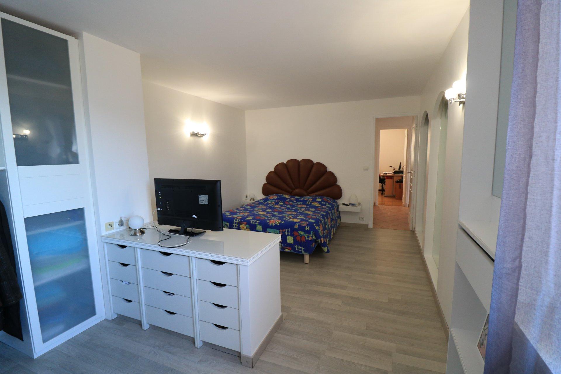 Une demeure / Deux appartements
