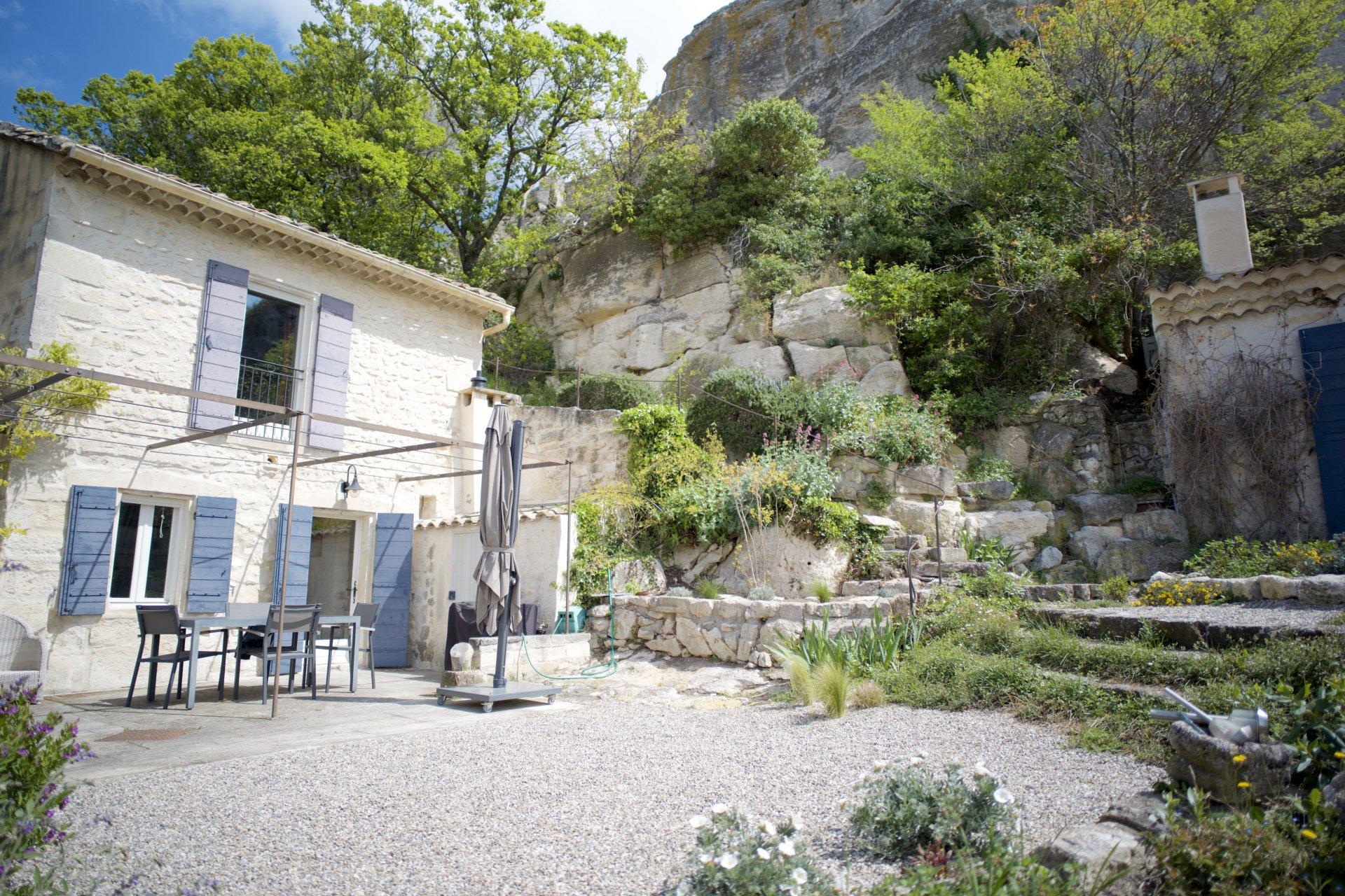 Sale Mas - Les Baux-de-Provence