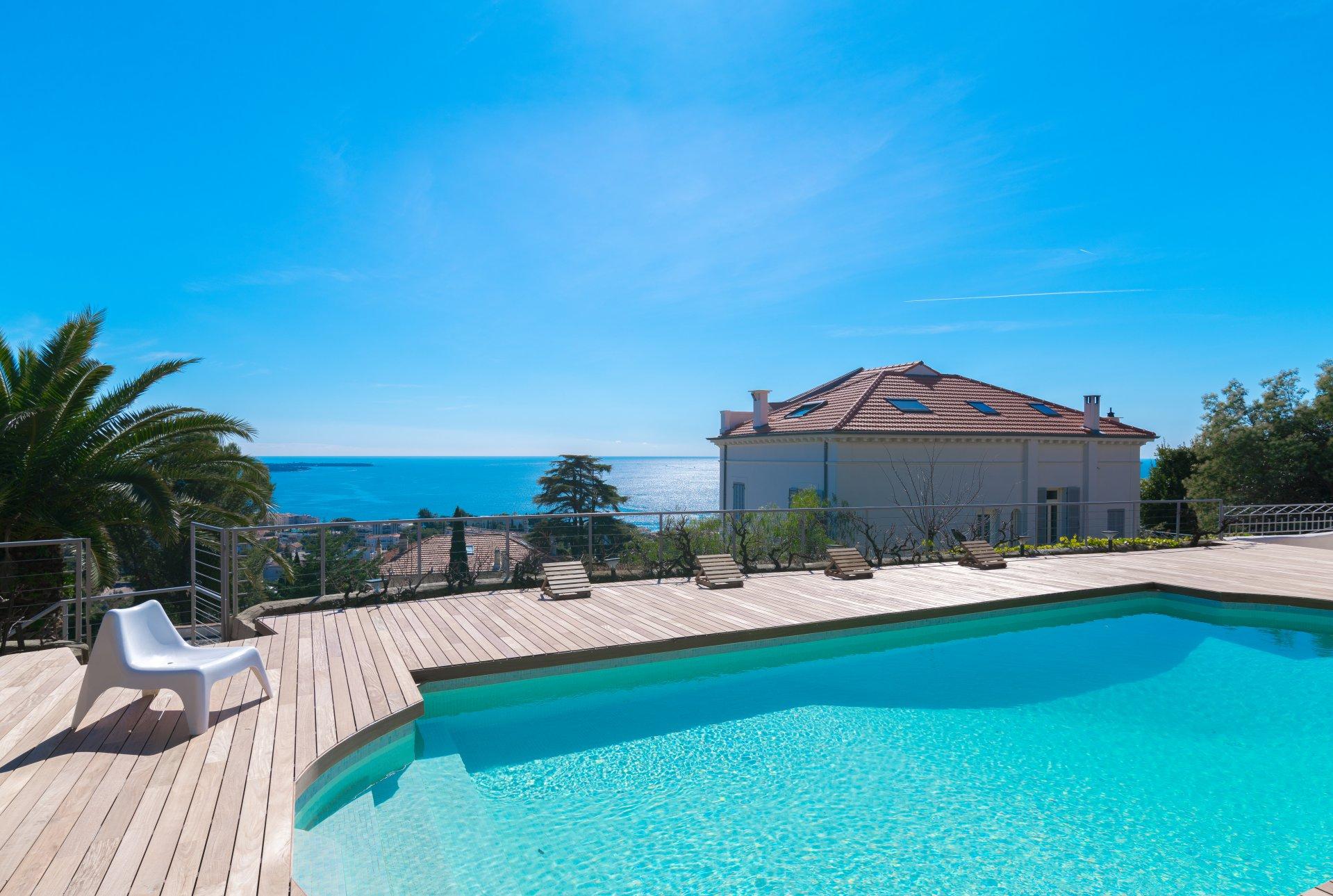 Försäljning Disponentvilla - Cannes Croix des Gardes