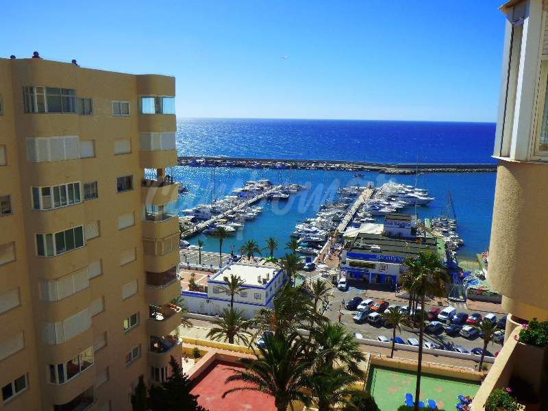 Property in the heart of Estepona port