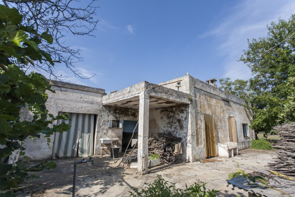 Casolare in vendita a Oria con terreno pertinenziale