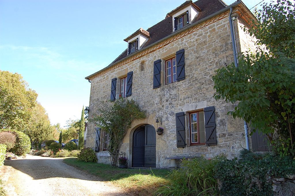 CORREZE - Old house with garage and panoramic views