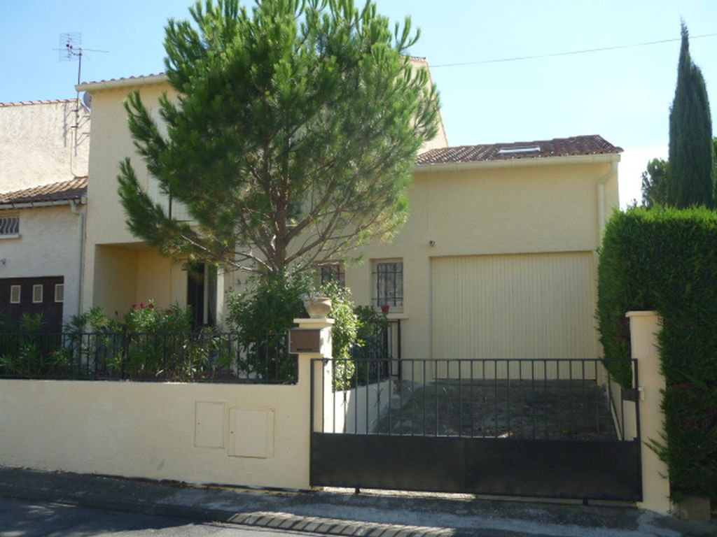 HERAULT - House of 1979 with garage