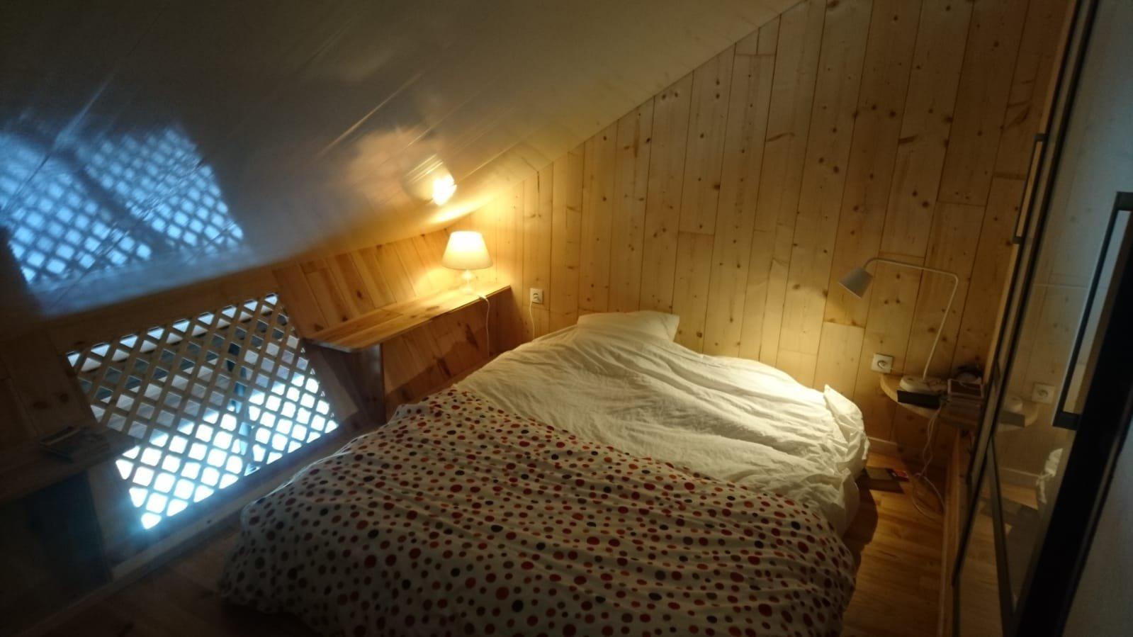 Gourette, Duplex atypique avec cheminée