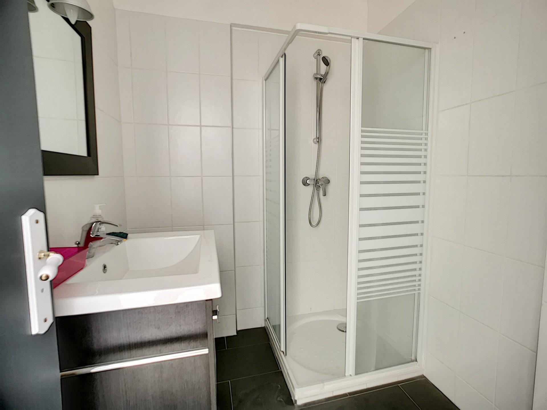 Cannes, Croix des Gardes, 1 bedroom appartment.