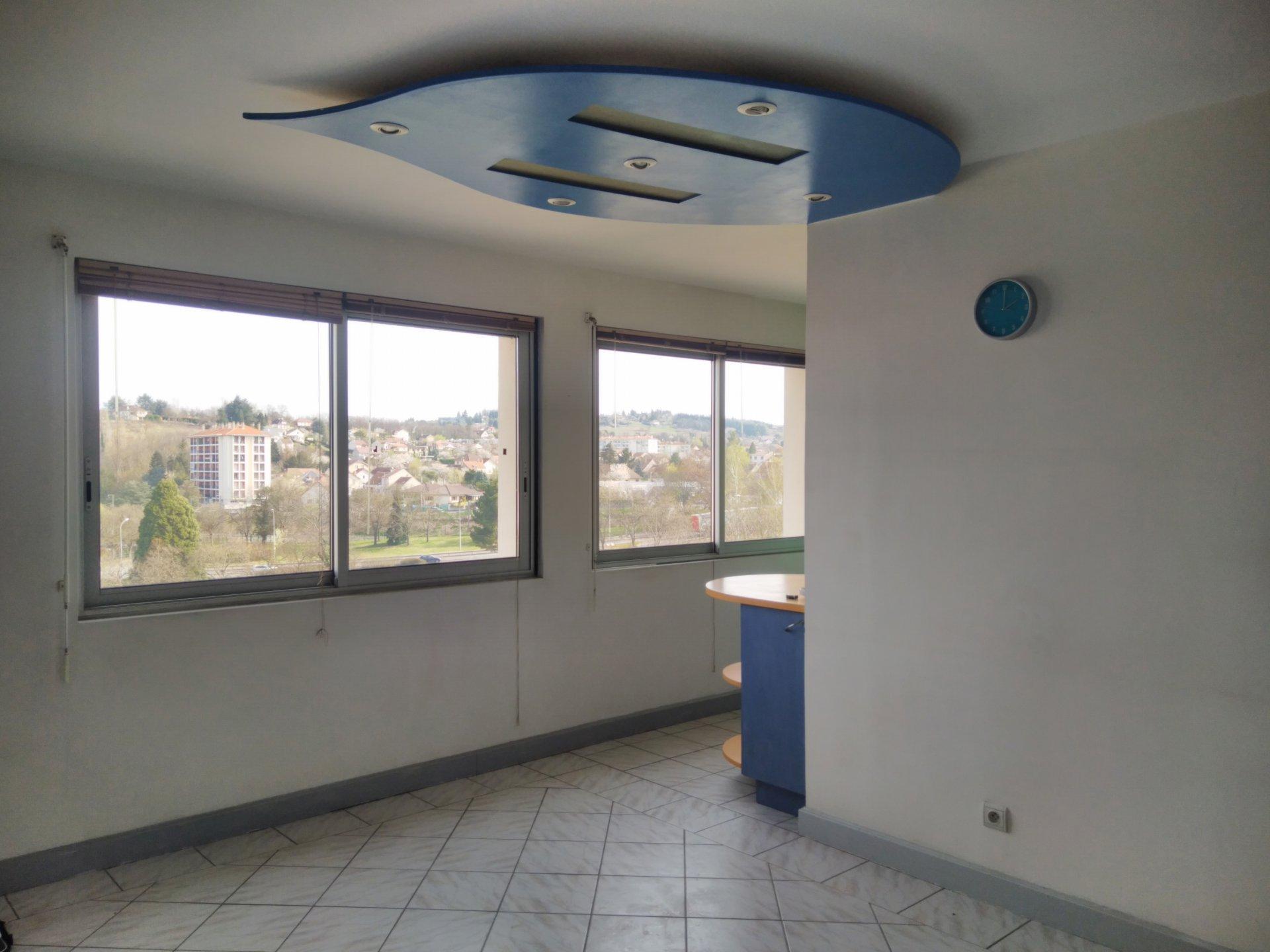 5668VBA - Appt T2 étage élevé - Vichy