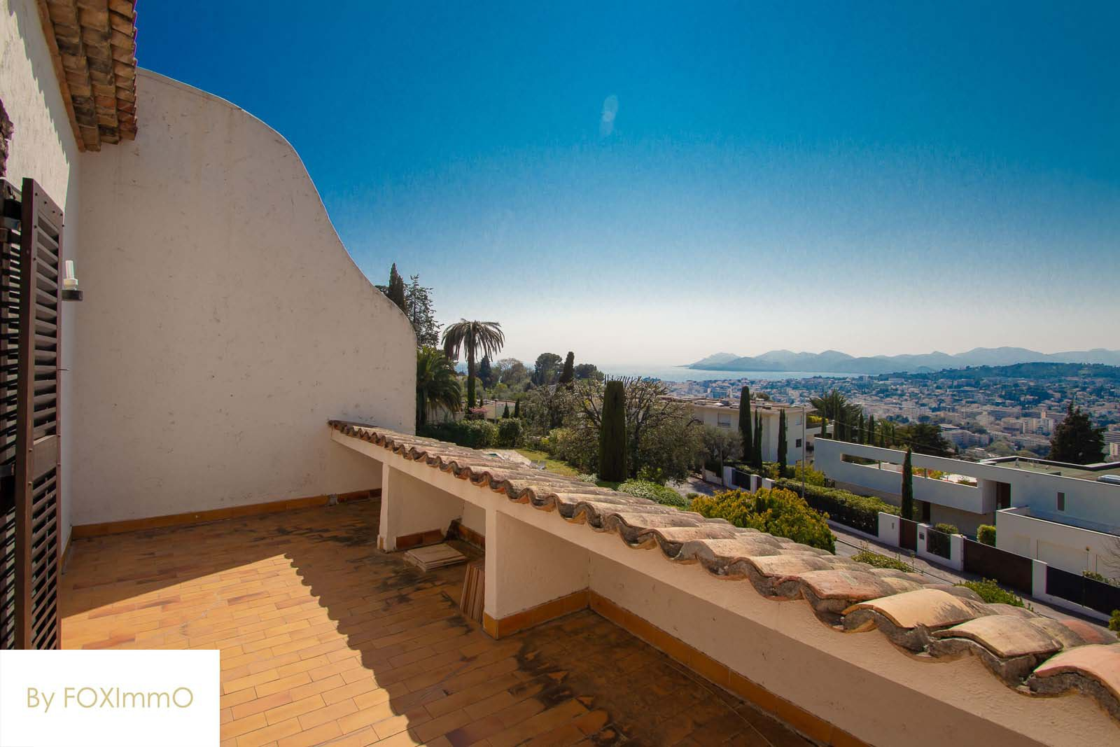 French Riviera house Hill sea view