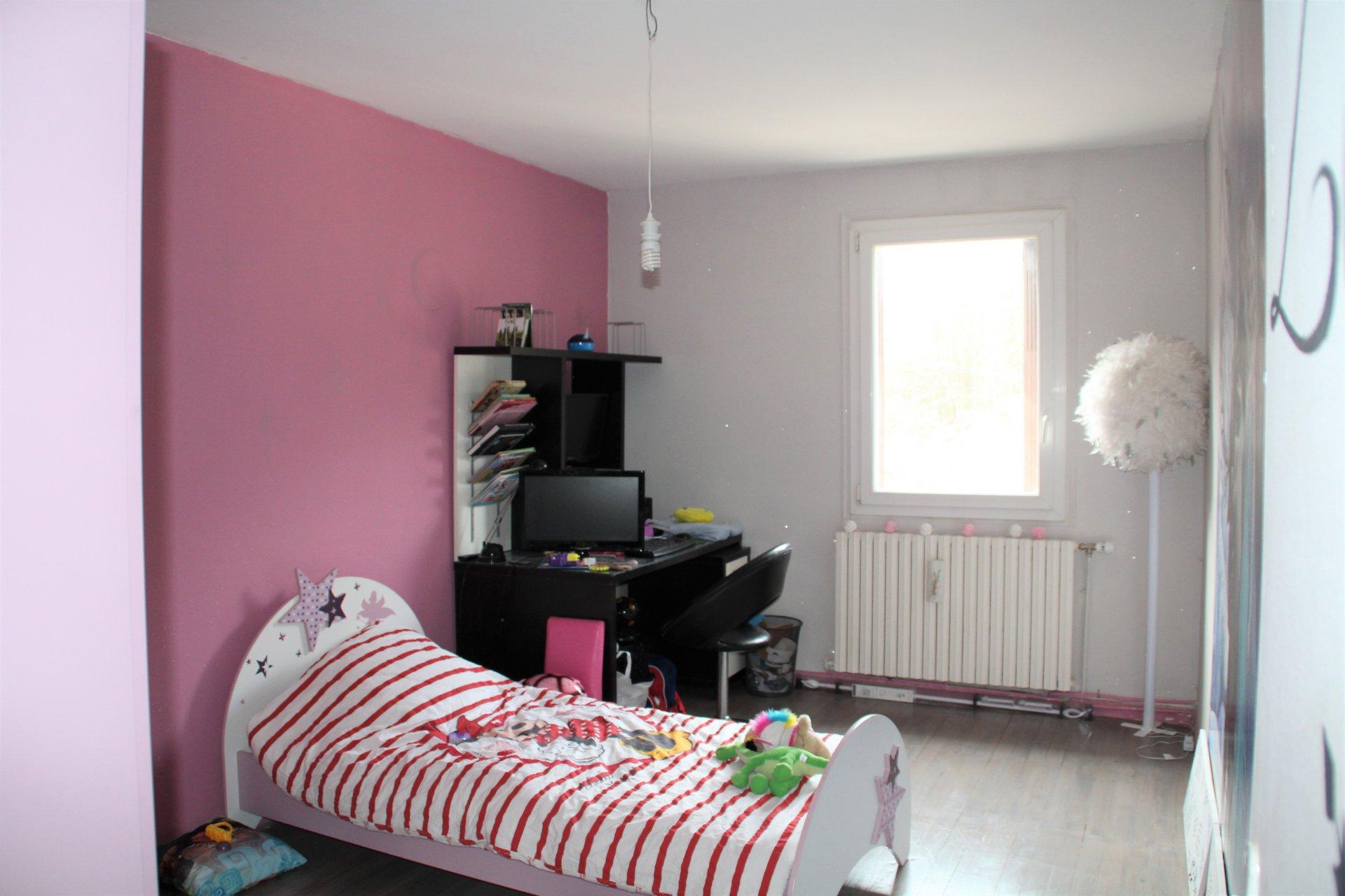 Maison d'environ 150m² avec un appartement d'environ 70m²