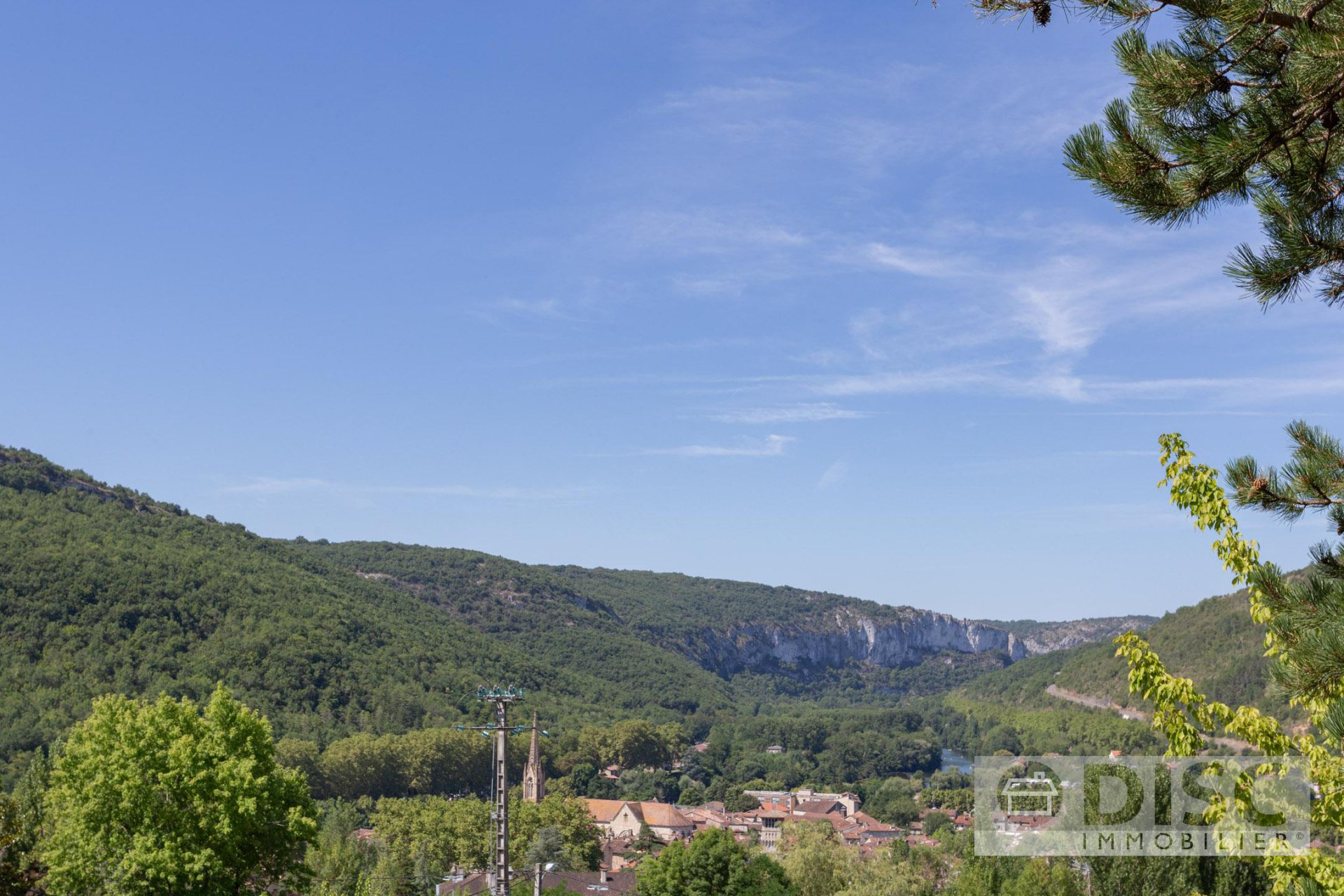 House with superb views in Saint Antonin Noble Val