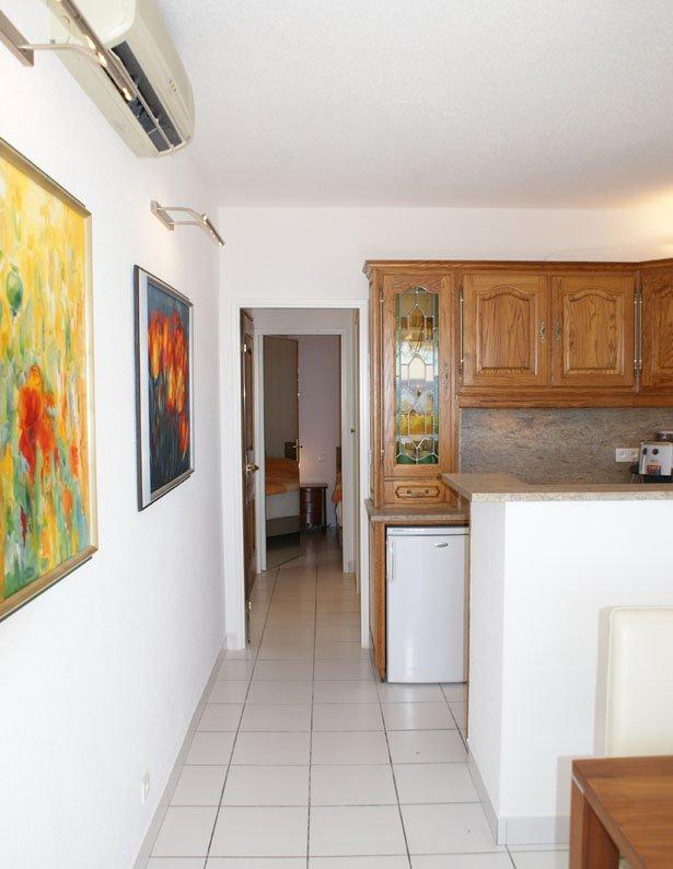 3 Zimmer mit schönem Meerblick, doppelte Südterrasse.