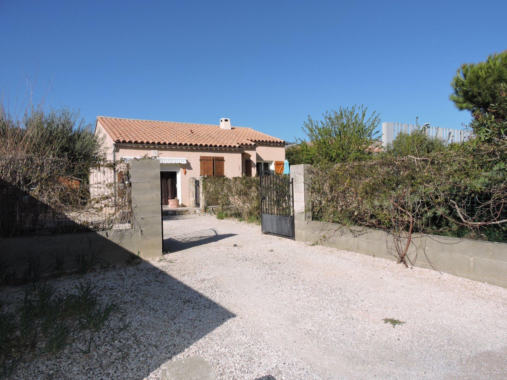 St Paul de Fenouillet Villa 4 Faces 100 m2 Habitable sur 656 m2 de Terrain