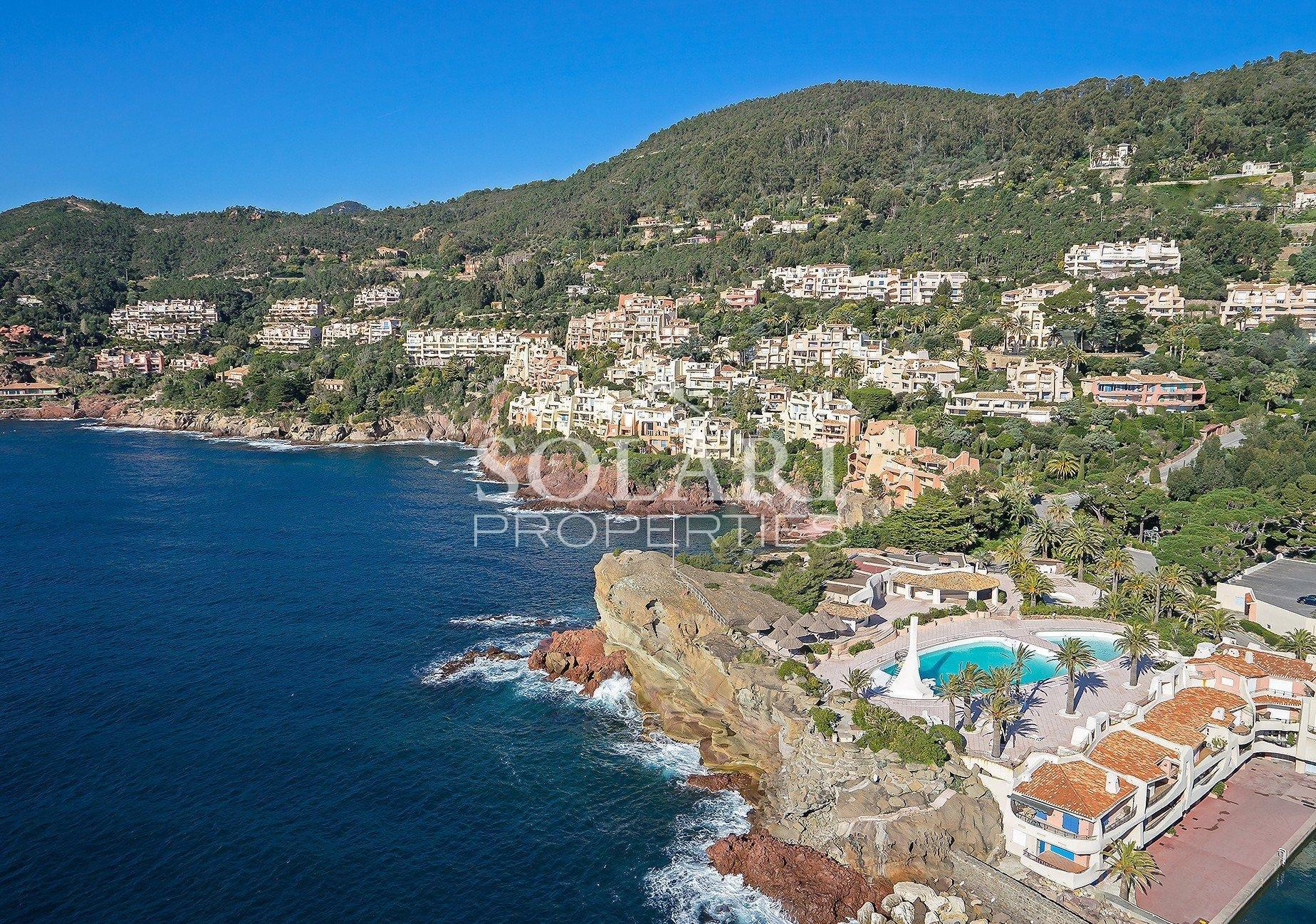 Villa Front de Mer PORT LA GALERE