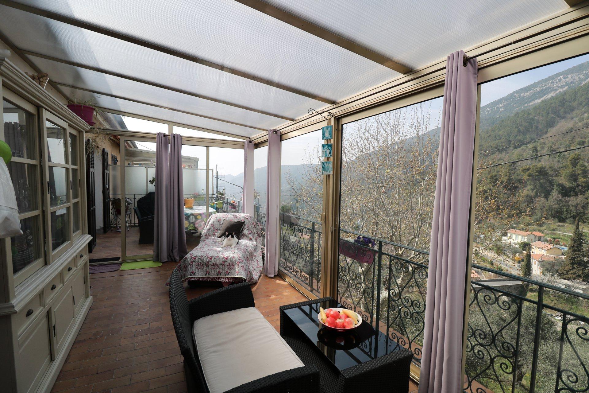 3 pièces, véranda, terrasse