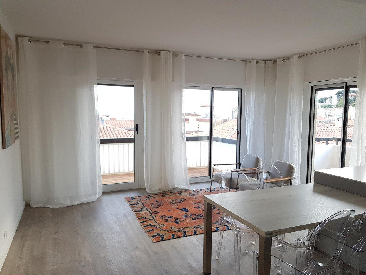 Beautiful 2 bedroom apartment with terrace  / Cannes Dowtown