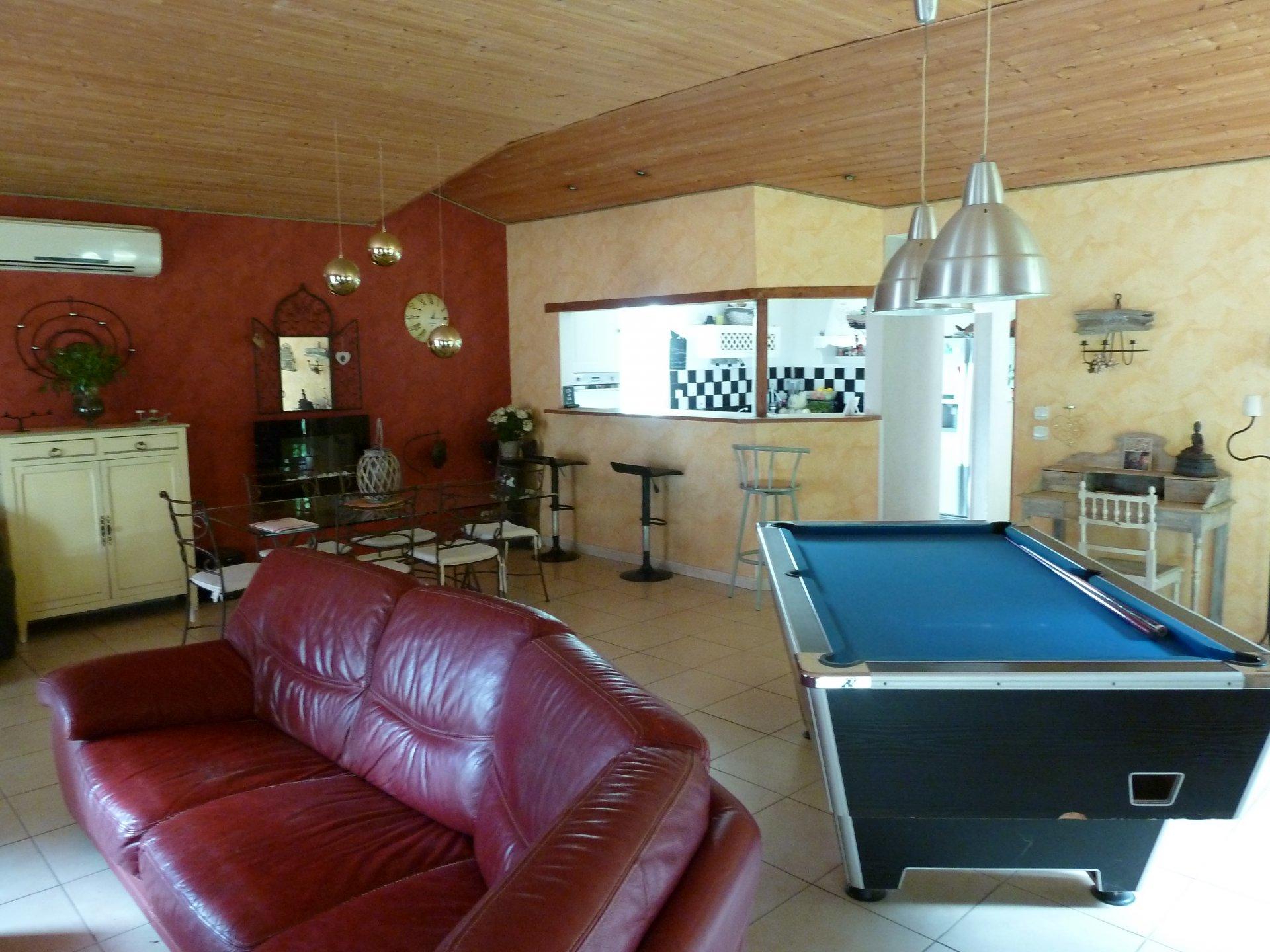 Maison de 140 m² + Grenier aménageable de 100 m² le tout sur 1941 m² de Terrain Arboré clos sans vis-à-vis