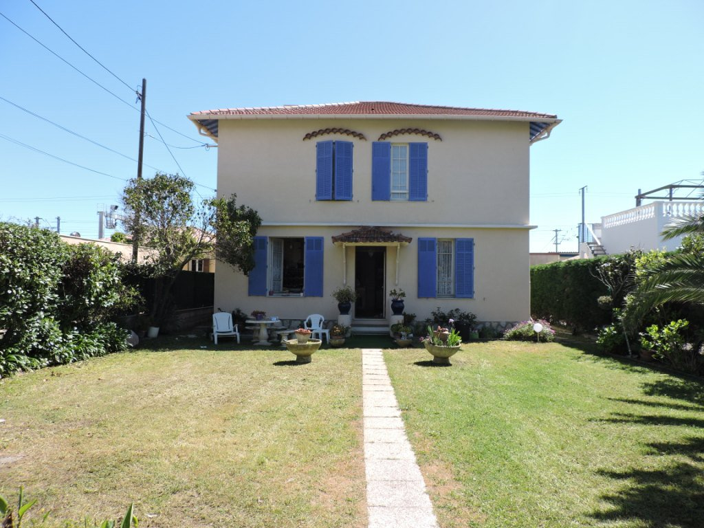 Sale House - Antibes Val-Claret