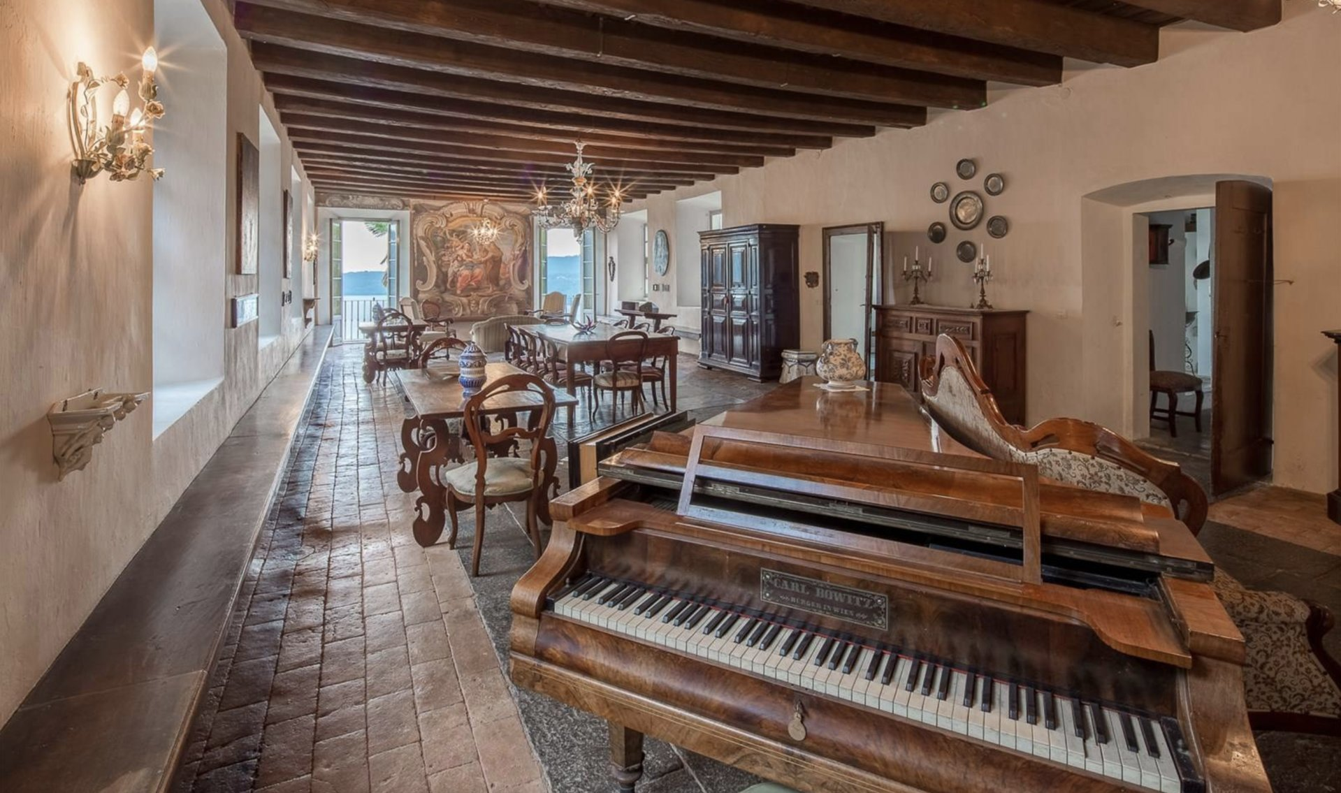 Historic property former convent for sale in Orta -  large salon