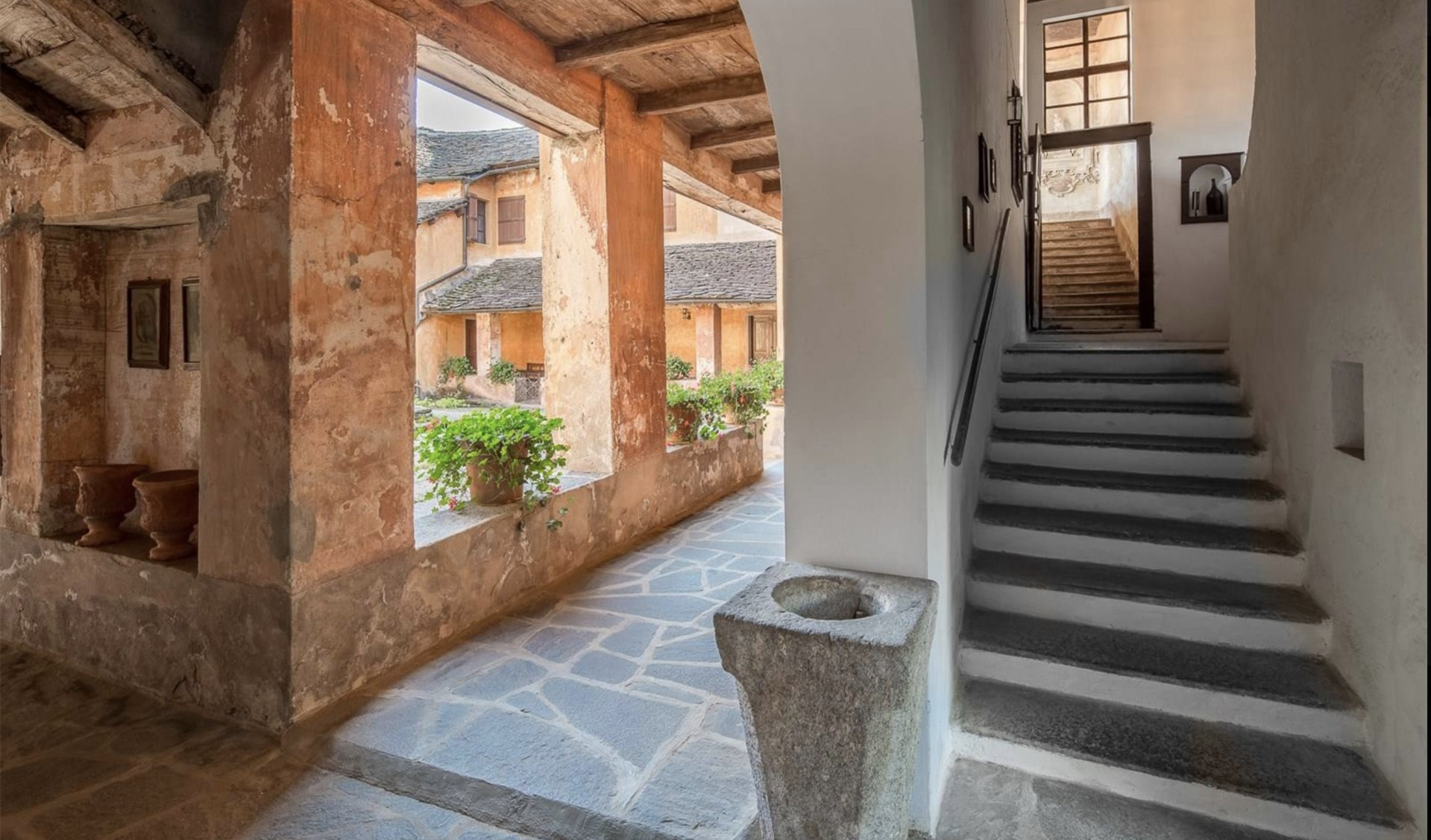 Historic property former convent for sale in Orta - stairs