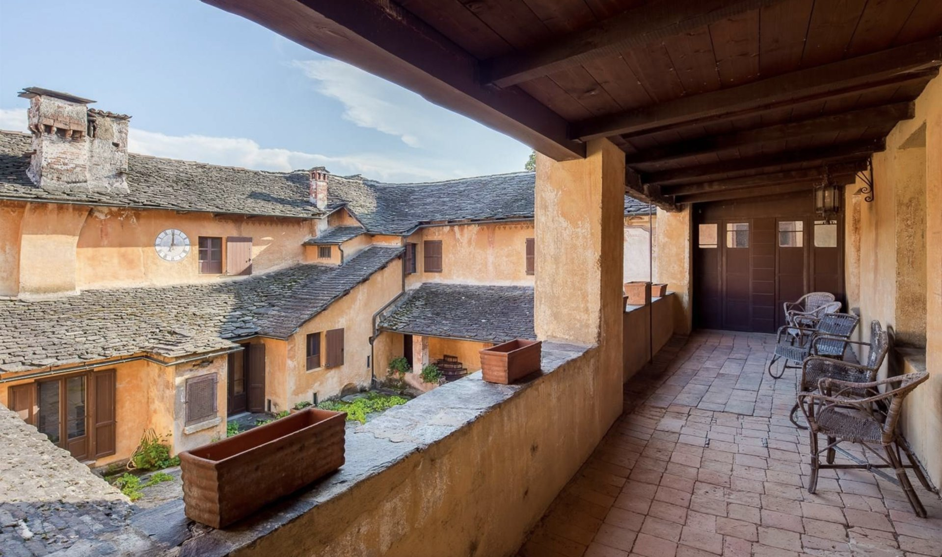 Historic property former convent for sale in Orta - terrace