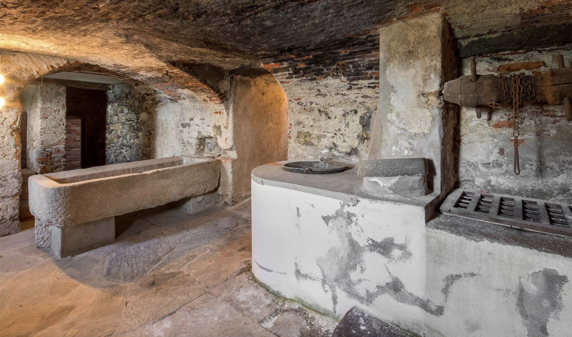 Historic property former convent for sale in Orta - basement