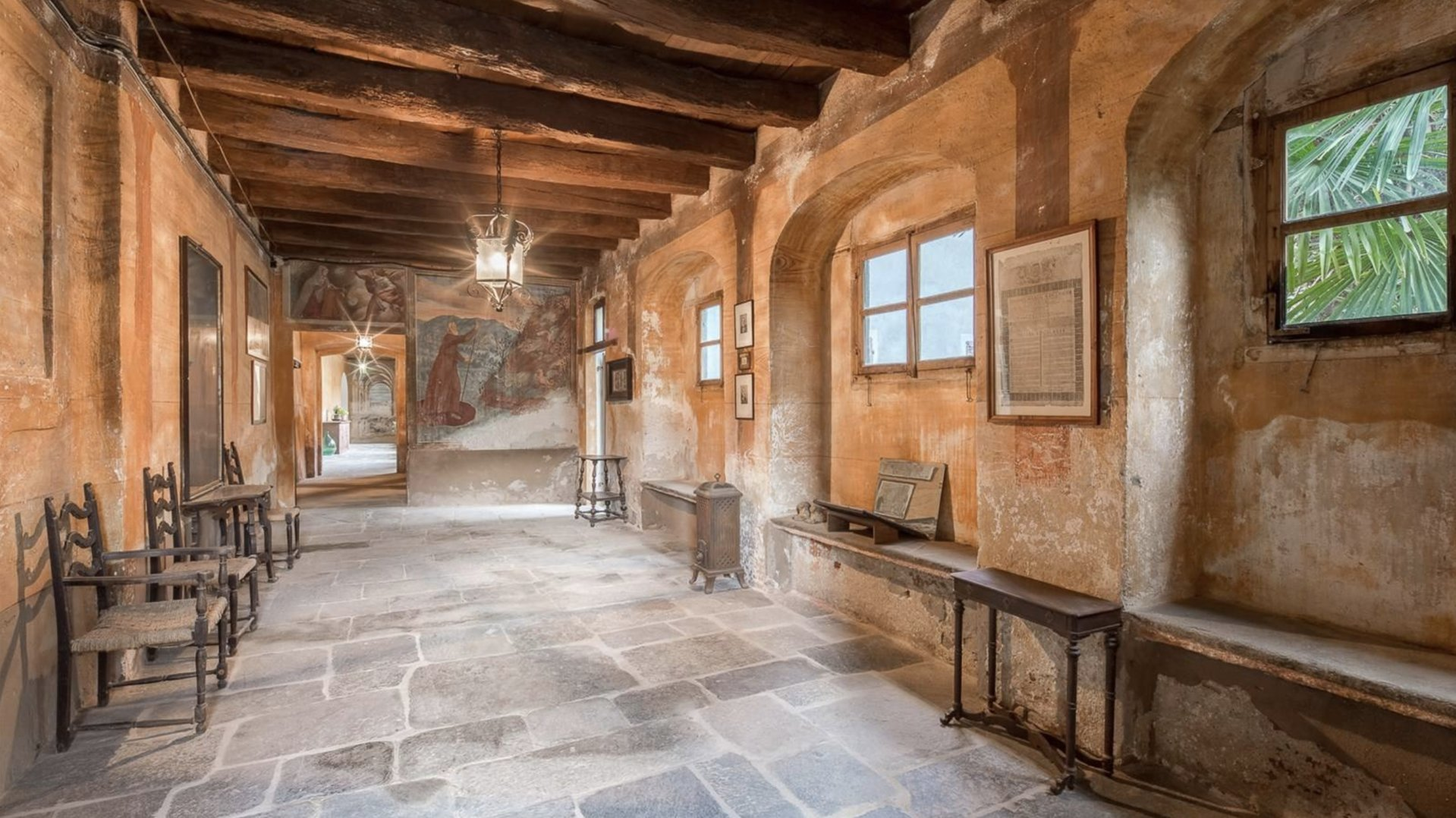 Historic property former convent for sale in Orta - salon