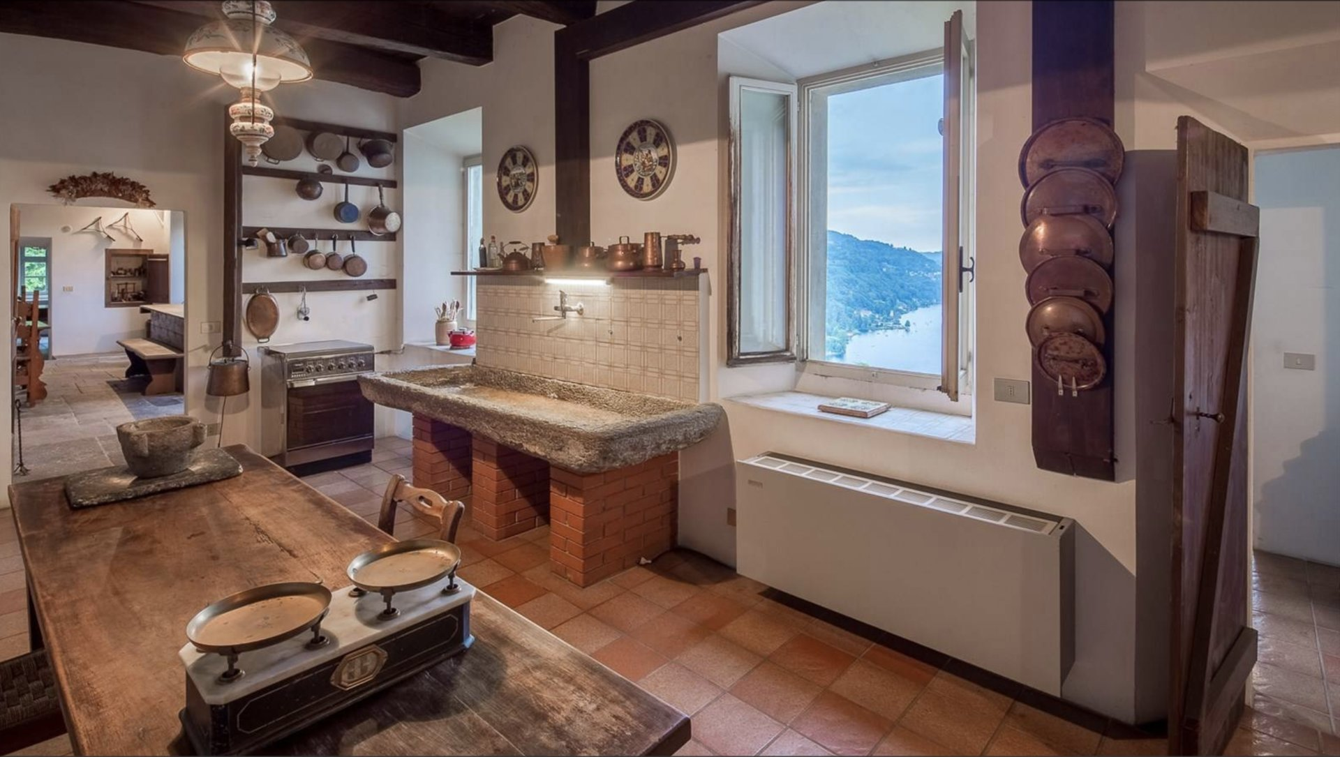 Historic property former convent for sale in Orta - kitchen