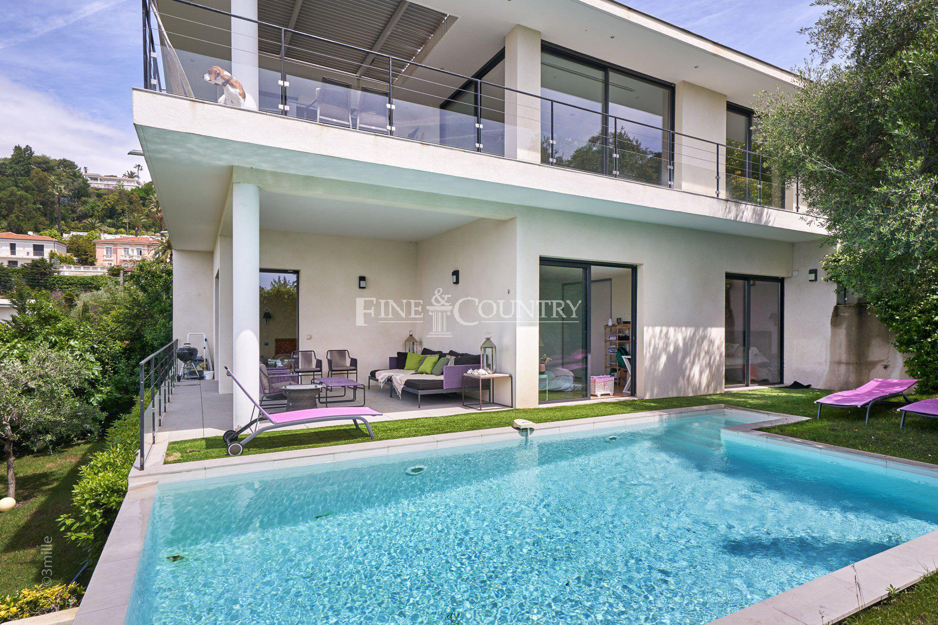 Villa with sea views for sale in Cannes