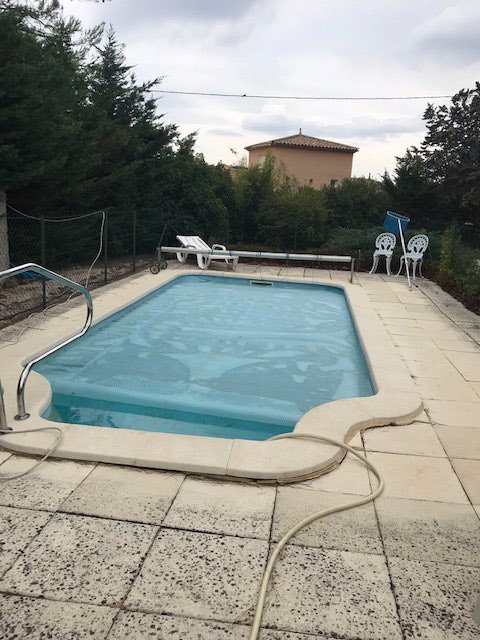 House + flat + swimmingpool garden easy access St Maximin