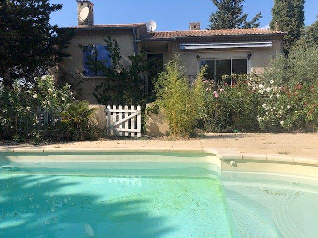 Charleval - Maison de 130 m² sur 980 m² de terrain piscine