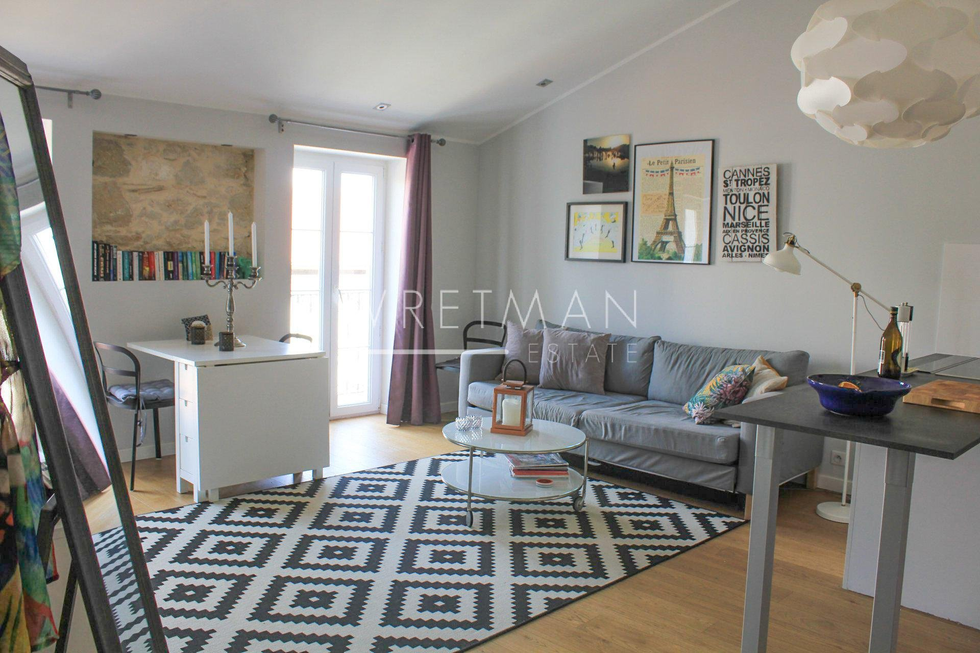 Stylish 1-bedroom apartment with balcony - Nice Carré d'
