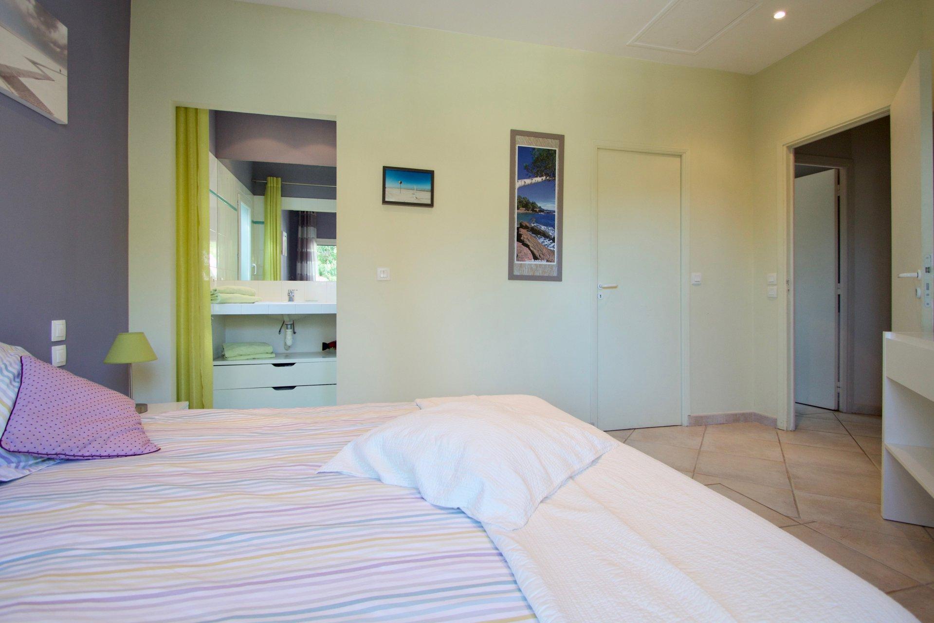 Saint Raphaël - Villa moderne avec 5 chambres, appartement individuelle & 4 SdB