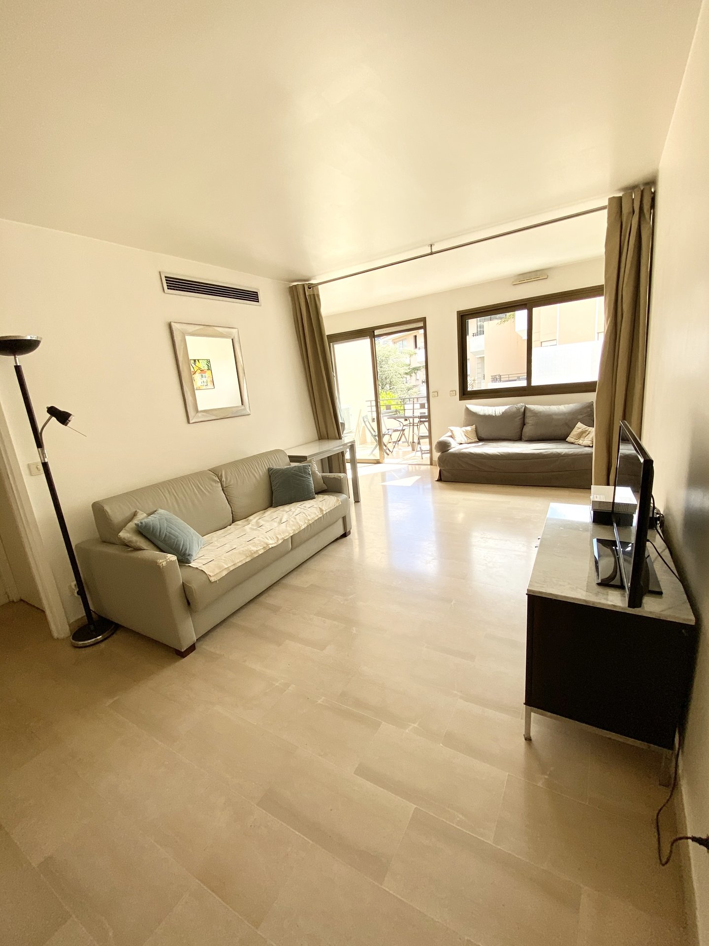 Rental Studio - Cannes Banane
