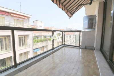 CENTER NICE - SUPERB 2 BEDROOMS WITH TERRACE