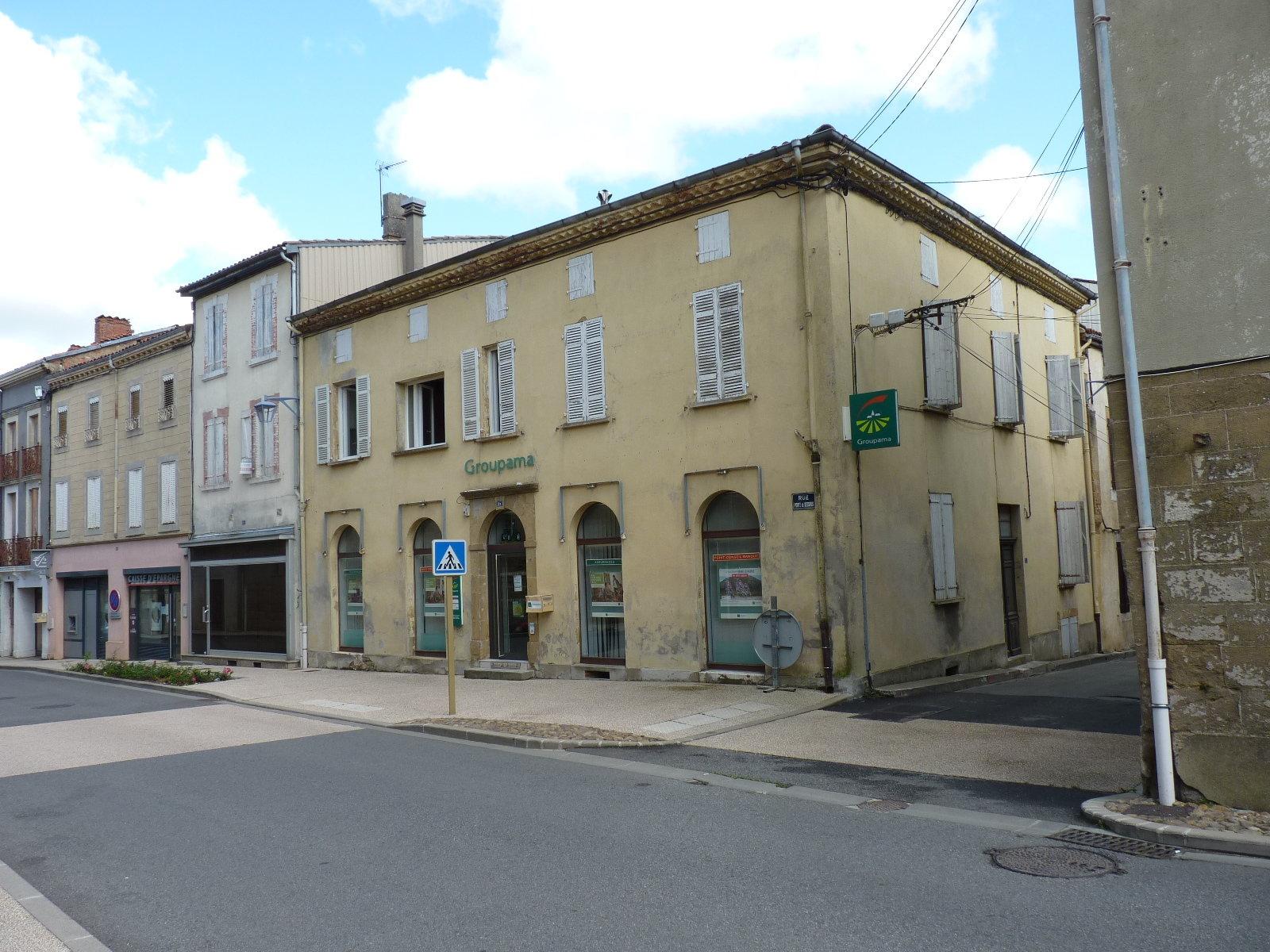Boulogne sur Gesse, grande maison divisiée en plusieurs locations