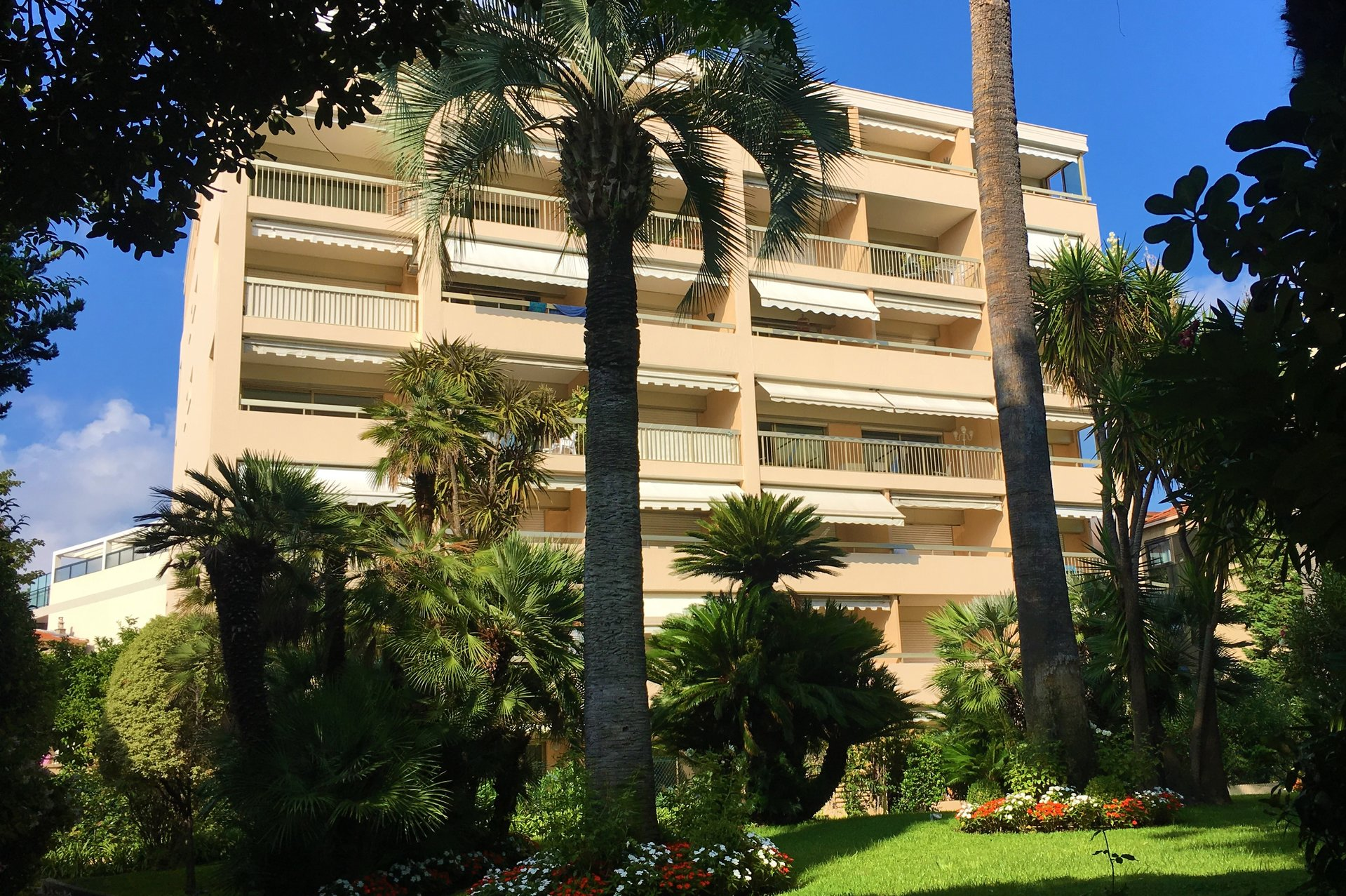 CANNES FULL CENTER APARTMENT 3 ROOMS NEAR BEACHES
