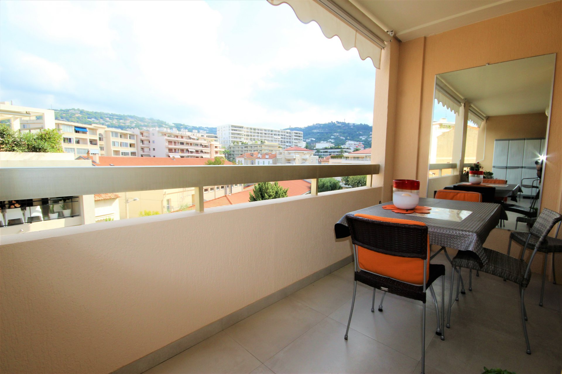 CANNES NEAR BEACHES SALE APARTMENT 3 ROOMS