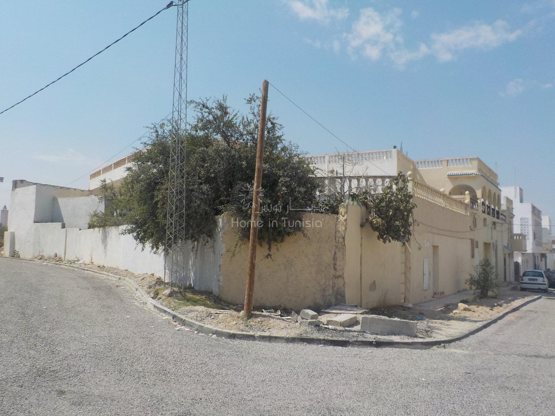 un ensemble immobilier dans un terrain R+6 destinée a la vente a petit prix