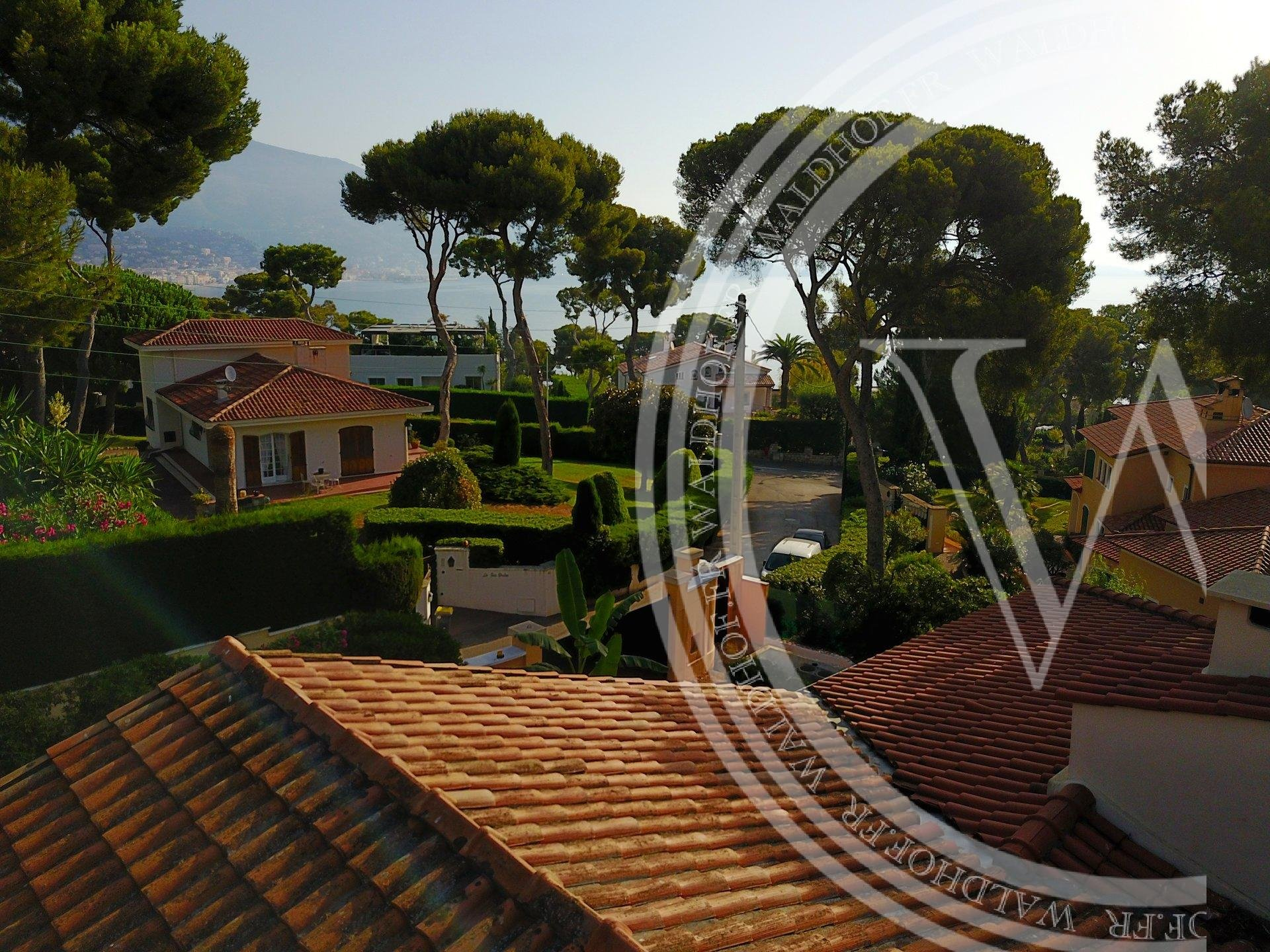 Opportunity to build 600 m2 mega villa in the heart of Cap Martin