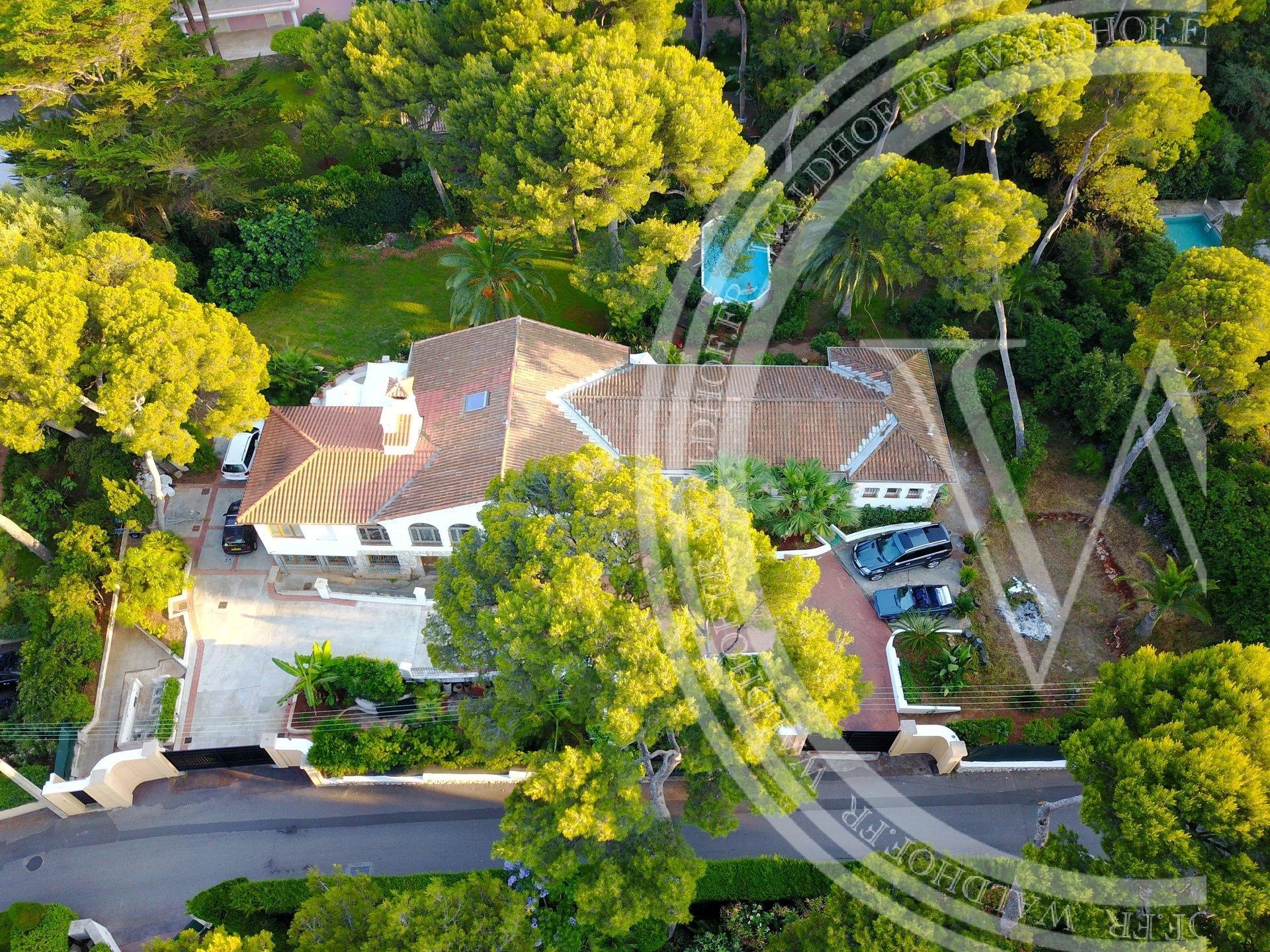Opportunité pour construire une villa de 600 m2 au coeur du Cap Martin