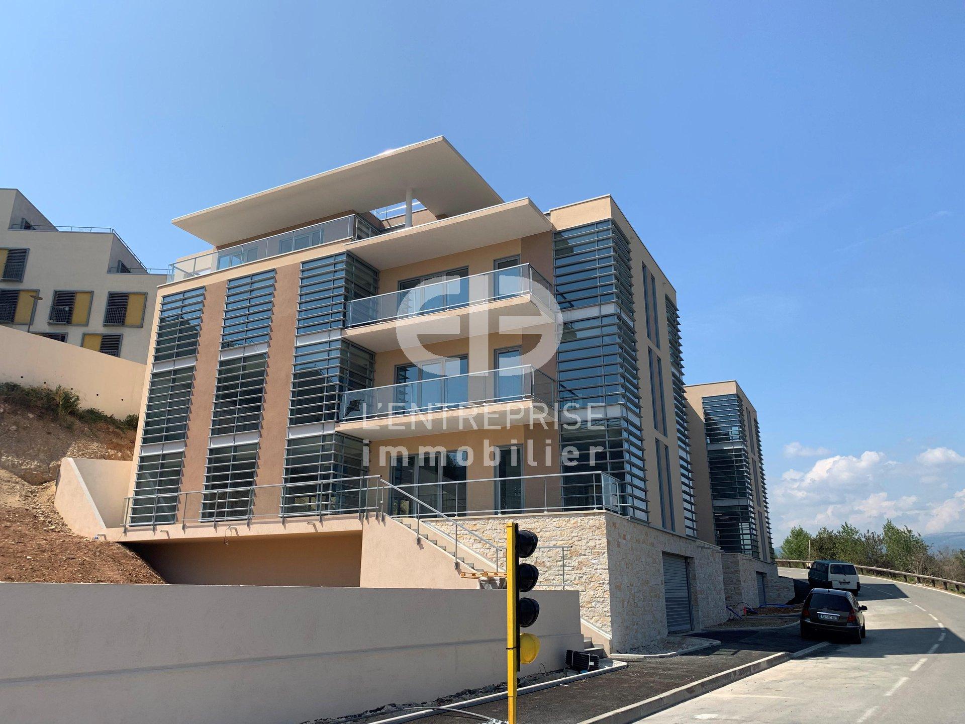 A LOUER, BUREAUX secteur BIOT-SOPHIA ANTIPOLIS 226 m²