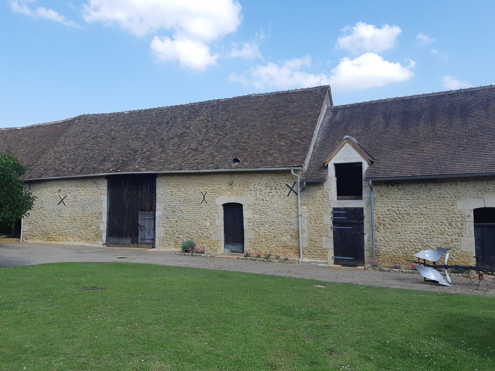 Belle Fermette rénovée à la campagne avec terrain et puits artésien