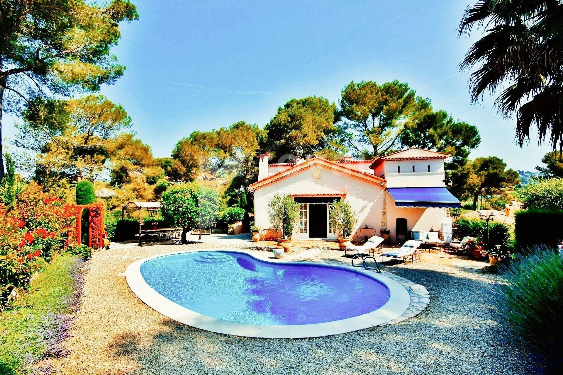 Belle villa à louer Mougins