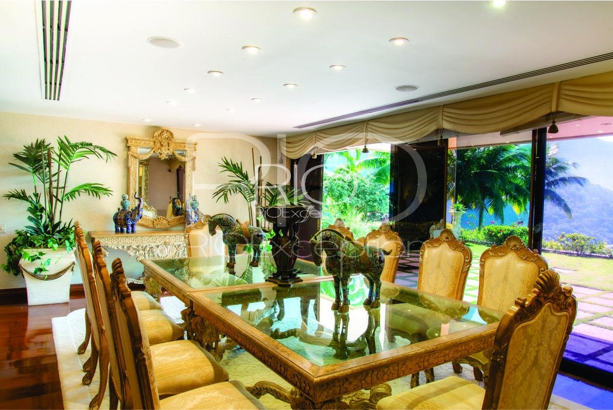 Fantastic House of 900m2 in Joa