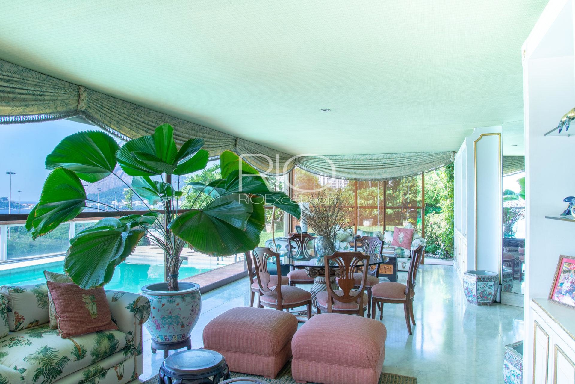 Unique triplex penthouse in flamengo