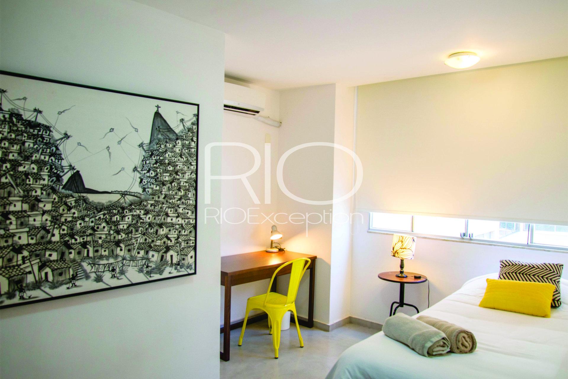 COPACABANA - Avenida Atlântica posto 6 - Apartamento 200 m2.