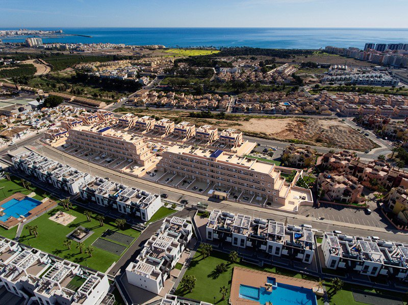 Beautiful New Quality Apartments in Spanish Style with SPA Facilities, only 1.5 km from the beach of Punta Prima!
