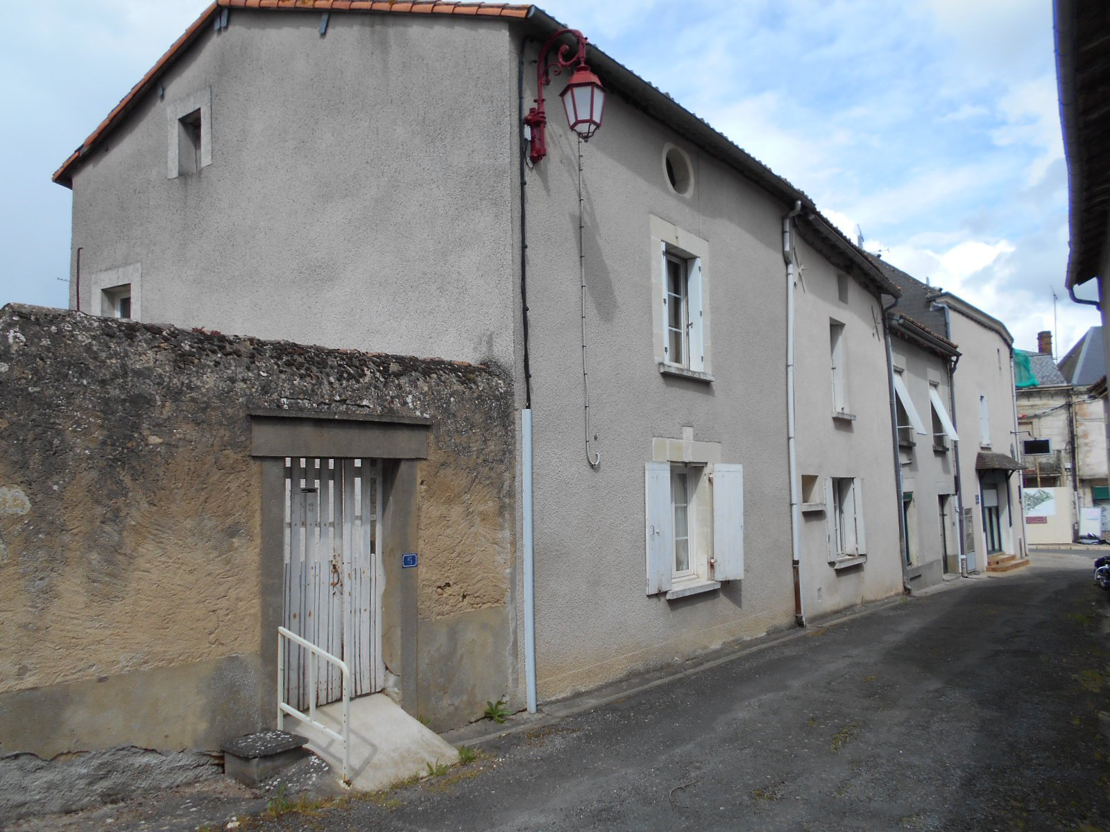 Sale House - Oiron