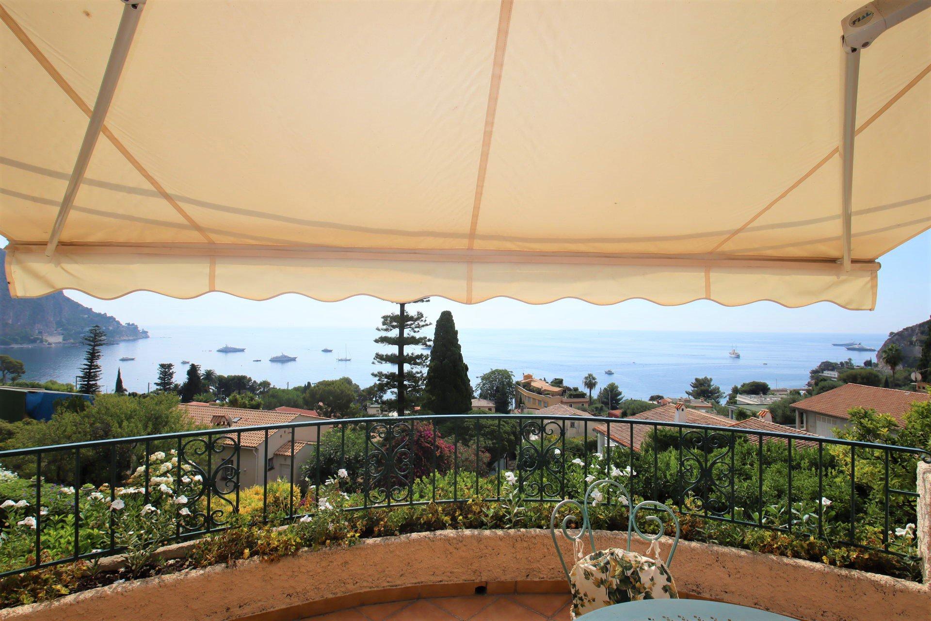 Eze bord de mer villa 200 m² vue panoramique terrasse