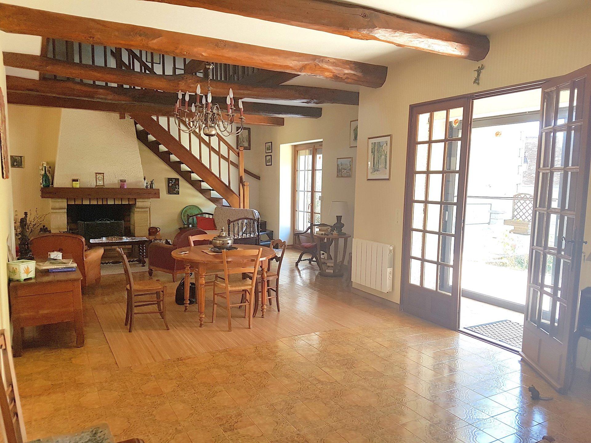 La Brenne, Indre 36: dorpswoning met garage
