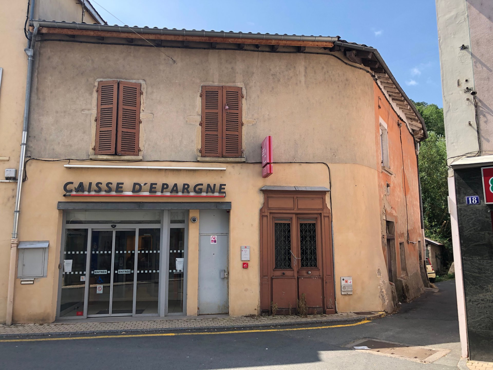 Sale Building - Beaujeu
